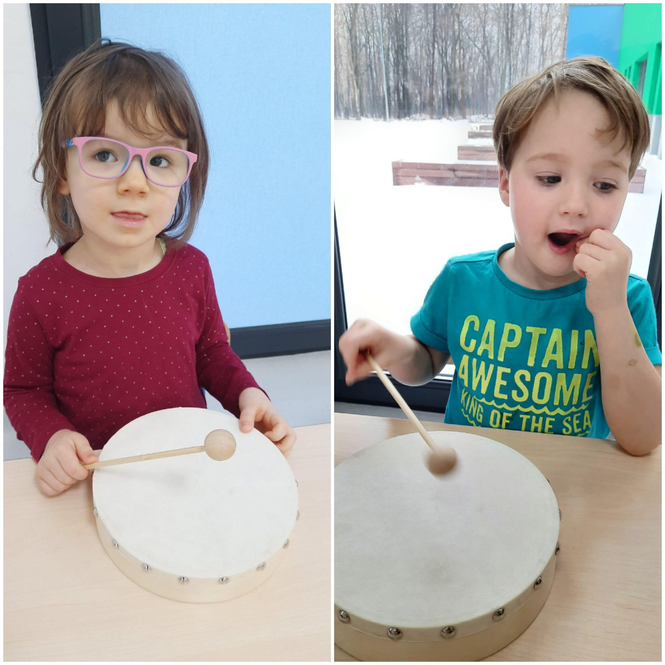 dzieci grające na bębenku