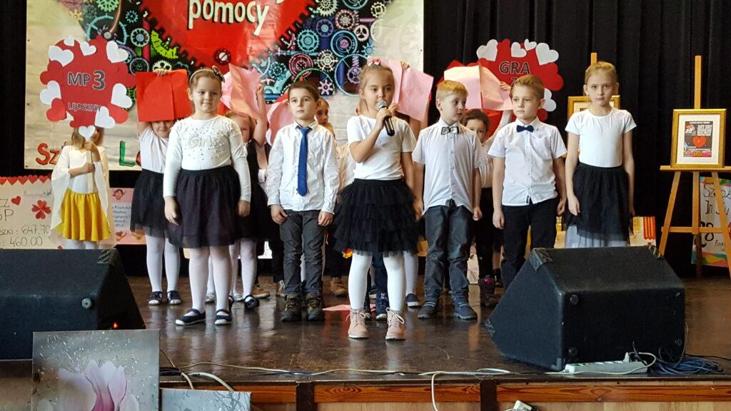 zdjęcie dzieci podczas WOŚP